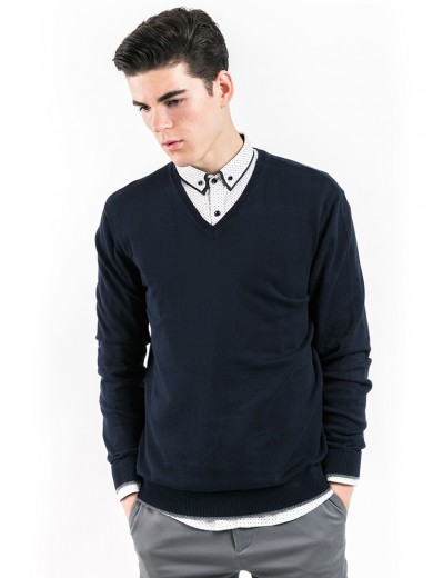 http://www.manly.co.id/1675-thickbox/v-neck-cotton-sweater.jpg