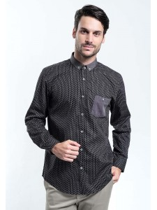 MANLY KEMEJA SLIM FIT STRYKER BLACK